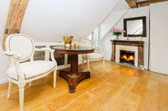 Welcome to your cosy flat in Paris! Enjoy a glass of wine by the fire! - Get $25 credit with Airbnb if you sign up with this link http://www.airbnb.com/c/groberts22