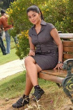 Telugu Actress Poorna Hot Stills, Actress Hot Novelshow Stills, South Actress Poorna Spicy Wallpapers, Poorna Hot Pics Beautiful Girl Indian, Most Beautiful Indian Actress, Hot Actresses, Indian Actresses, Actress Pics, Rambha Actress, Cute Girl Face, Indian Designer Outfits, Beauty Full Girl