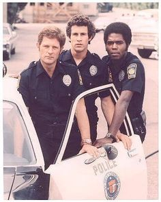Rookies Posed in Police Uniform Television Photo - 20 x 25 cm Spy Shows, Great Tv Shows, Old Tv Shows, Michael Ontkean, Cops Tv, Cop Show, Childhood Tv Shows, Kate Jackson, Vintage Television