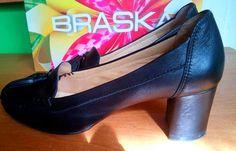 Продам чорні жіночі класичні туфлі