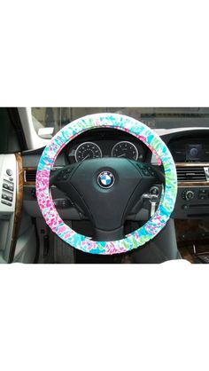 Lilly Pulitzer steering wheel cover!