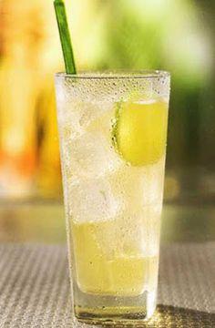 El chilcano o chilcanito cóctel tradicional peruano  preparado a base pisco) , zumo de limón y Ginger Ale.
