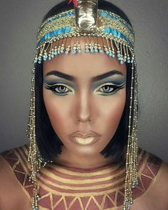 Halloween is almost here! It's the time to start thinking about your costume and makeup. We have found 45 pretty DIY Halloween makeup looks. Cleopatra Makeup, Egyptian Makeup, Egyptian Costume, The Real Cleopatra, Nefertiti Costume, Egyptian Party, Cool Halloween Makeup, Halloween Makeup Looks, Diy Halloween