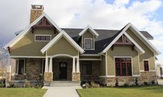 craftsman style exterior home e1350032177908 How To Bring Artisan Craftsman Details Into Your Home