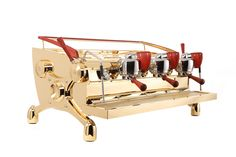 The 3-group espresso machine for Doce