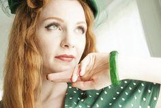 Vintage green Lucite bangle bracelet translucent white swirls