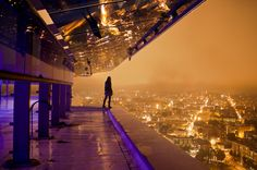 Aurelie Curie is a photographer passionate about extreme urbex, what has made in a short time her work is recognized. Inktober, Alaska, Ipad Air Wallpaper, Ghost In The Machine, Skyline, E Photo, Wallpaper Gallery, Retro Futuristic, Night City