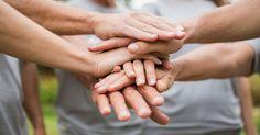 Pessoas fazem voluntariado para conhecer outras pessoas. Você é um conector?