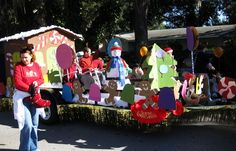 Parade float 4