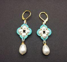 Wedding Swarovski pearl earrings wedding gift by AGDesignCreatif Unique Earrings, Tassel Earrings, Crystal Earrings, Dangle Earrings, Pearl Earrings Wedding, Turquoise Earrings, Swarovski Pearls, Pearl White, Wedding Gifts