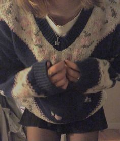 Fall Outfits, Cute Outfits, Teen Fashion, Fashion Outfits, Just Style, Sweater Weather, Aesthetic Clothes, How To Wear, Fingerless Gloves