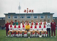 Ajax Amsterdam team group in Retro Football, Football Kits, Sport Football, Football Cards, Football Players, Soccer Teams, Afc Ajax, Football Images, Association Football