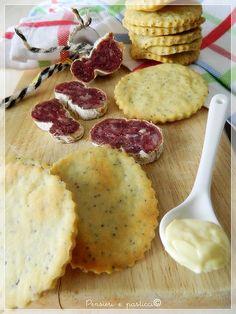 biscottini salati alla maionese e semi di papavero