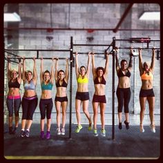 Crossfit women All shapes and sizes!