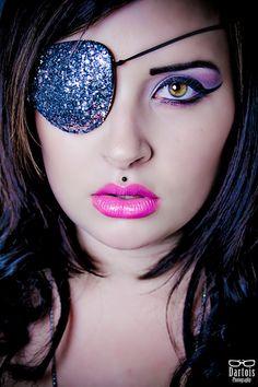 Pirate makeup  Photo : Julien Dartois   Model/Makeup : https://www.facebook.com/NastasyaLytovski