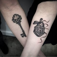key and lock couple tattoos on arms                                                                                                                                                      Más