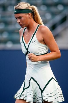 Tennis Champion Maria Sharapova, One Of My Favorite Female Tennis Player Maria Sharapova, Sharapova Tennis, Sport Tennis, Le Tennis, Tennis Dress, Tennis Clothes, Nike Clothes, Sport Model, Tennis Photography
