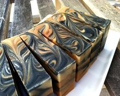 Great crafting blog with wonderful ideas for soap making.