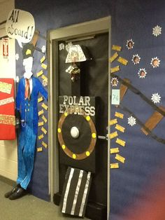 Cougar Claw : Holiday Door Contest Winner Announced