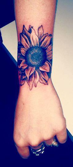 Cool Sunflower Arm Tattoo Ideas for Women - Realistic Beautiful Flower Forearm Tat - www.MyBodiArt.com #tattoos