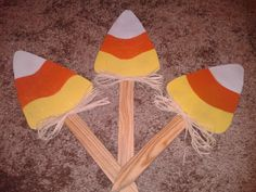 I make wooden yard decorations. I can also make Christmas yard art, college sports letters for your yard and yard decor.