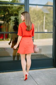lady in red Beautiful Women Tumblr, Gorgeous Women, Fall Fashion Skirts, Fashion Fashion, Fashion Tips, Victoria Fashion, Red Flare, Girls In Mini Skirts, Heels