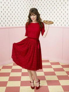 Anna Friel :: Love her wardrobe.