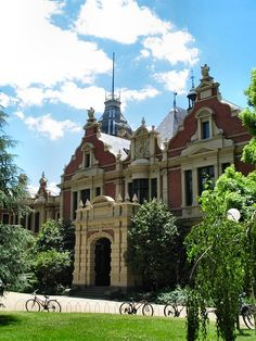 The Queen Anne styled School of Graduate Studies at the University of Melbourne also known as The 1888 Building for obvious reasons. This impressive residence is beautifully detailed with mansard roofed towers topped with cast iron cresting, Dutch gables, window pediments, Ionic pilasters and an elliptically arched portico entrance.