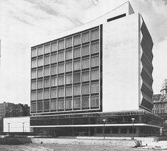 Renold Building, University of Manchester, 1962; W. A. Gibbon, Cruikshank and Seward Architects