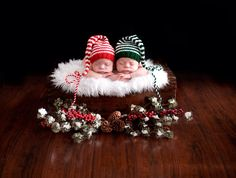 Twin Christmas card picture: Belly Beautiful Photography; hats from Mad About Colour (Etsy shop)