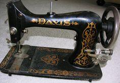 Vintage Davis Sewing Machine Vertical Feed 1868-1920 Antique Look!