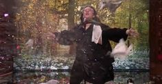 Melissa McCarthy Lip-Syncs With The Colors Of The Wind On 'The Tonight Show'