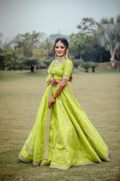 Fashion plays a defining role in enhancing a person's confidence and sense of self. Customization is available and Worldwide shipping is also Available . Mehendi Outfits, Indian Bridal Outfits, Indian Dresses, Wedding Outfits, Bridal Dresses, Wedding Dress, Bridal Lehenga, Lehenga Choli, Green Lehenga