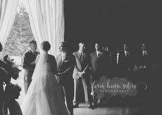 Romantic, Rutic Wedding Photography Ideas | Tacoma Wedding Photographer | Washington Wedding Photographer | Farm House Sisters Photography https://wearetheminters.com/2016/08/14/tacoma-wedding-photographer-josh-and-taras-romantic-rustic-wedding/