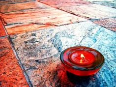 How to get candle wax off of tile flooring - guess what Bennett did today? How Do You Clean, Clean Clean, Remove Wax, Romantic Candles, Diy Cleaning Products, Cleaning Tips, Cleaning Solutions, Ceramic Floor Tiles, Candle Wax