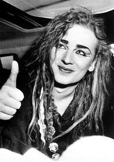 See Boy George pictures, photo shoots, and listen online to the latest music. Boy George, 80s Pop Music, Romantic Pictures, Culture Club, Beautiful Mind, Music Icon, Music Bands, Music Artists, Rock And Roll