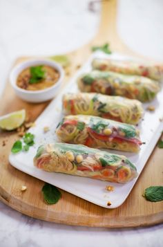 Mostly Raw Pad Thai Spring Rolls (via abeautifulmess.com)  http://frame.bloglovin.com/?post=5194871621&blog=478816&frame_type=none