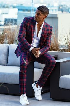 Mode Masculine, Suit Fashion, Mens Fashion, Suits And Sneakers, Designer Suits For Men, Stylish Mens Outfits, African Men, Gentleman Style, Mens Suits