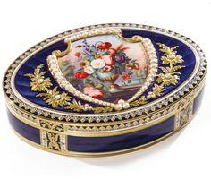 A SWISS GOLD, ENAMEL AND PEARL-SET OVAL SNUFF BOX, RÉMOND, LAMY & CO., GENEVA, CIRCA 1801-04