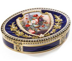 A SWISS GOLD, ENAMEL AND PEARL-SET OVAL SNUFF BOX, RÉMOND, LAMY & CO., GENEVA, CIRCA 1801-04