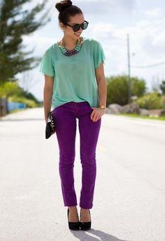 Color inspiration. Mint Blouse, Dk. Purple Jeans, Mint/Purple Necklace, Black Clutch & Pumps