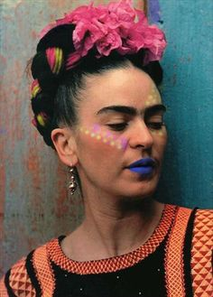 Frida Kahlo and Diego Rivera: 8 Photos of Their Colorful Love Story Diego Rivera, Nickolas Muray, Selma Hayek, Frida And Diego, Mexican Artists, Man Ray, Portraits, Vintage Photography, Photography Flowers