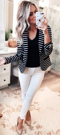 34 Lovely Black And White Summer Outfits Pretty Look - In the event that you are searching for the most sizzling pattern this season, look no further: it's appropriate here in black and white. Striped Blazer Outfit, White Blazer Outfits, White Summer Outfits, Dressy Casual Outfits, Business Casual Outfits, Spring Outfits, Work Outfits, Dressy Jeans Outfit, Women's Casual