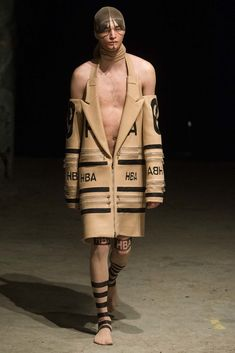 The complete Hood By Air Fall 2015 Ready-to-Wear fashion show now on Vogue Runway.