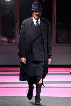 Yohji Yamamoto Fall 2013 Menswear Fashion Show