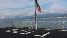 Ponte di atterraggio della fregata Maestrale in vista a Viareggio
