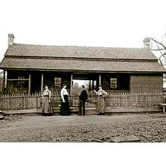 Historic dogtrots can be found throughout the South. Beaufort, South Carolina, architect Jane Frederick explain the basics. Dog Trot House Plans, Texas House Plans, Cracker House, Cabins And Cottages, Log Cabins, Rustic Cabins, Tin House, Vernacular Architecture, Southern Architecture
