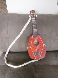 cool DIY strap design for pineapple uke