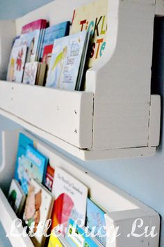 Before And After: A DIY Pallet Bookshelf U2014 Little Lucy Lu