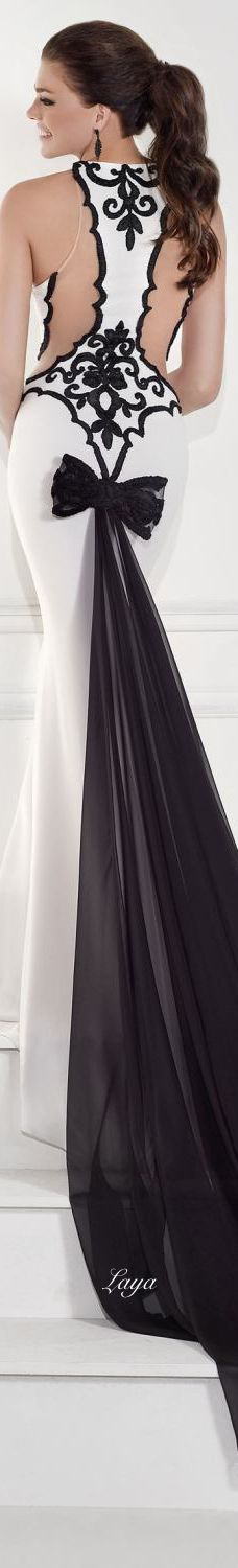 Beautiful! Love this dress, renew vows, different color options?